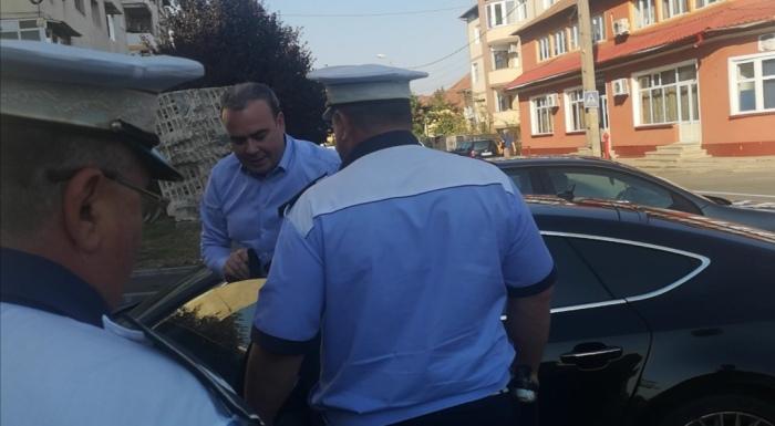 Darius Vâlcov se folosește de o limuzină aflată pe numele unui fost consilier al șefuluiANAF